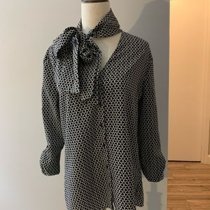 Banana republic Black and white blouse